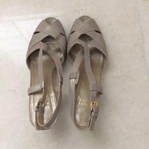 Gold Stuart Weizmann gold heels.  Sz 8.5